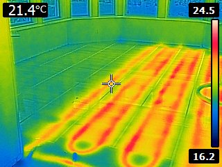 Thermal image shows that pipes are missing from a large section of this room.