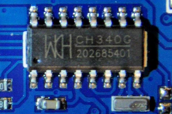 Closeup of CH340G chip
