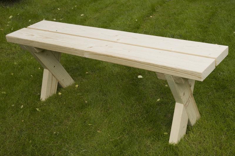 Den färdiga bänken innan målning.